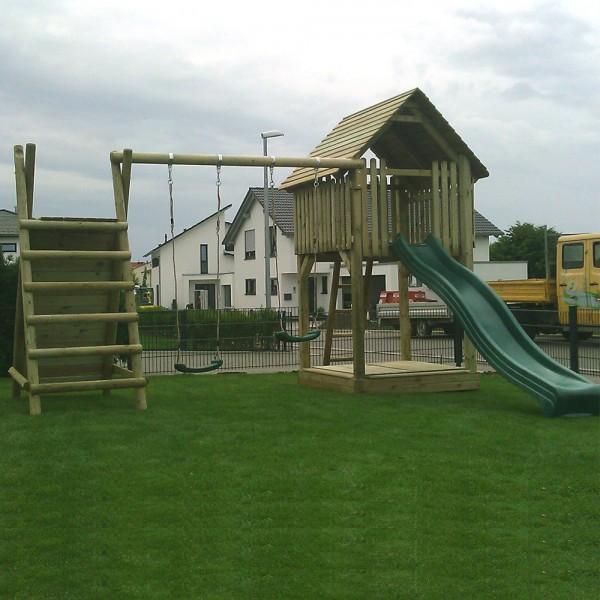 Spielturm T142 mit Kletterwand, Doppelschaukel und Rutschbahn